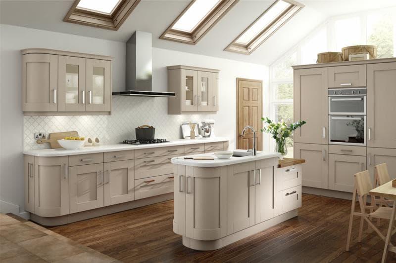 Bellissimo 39 s lucca five piece shaker range is ultimate for Door design kashmir